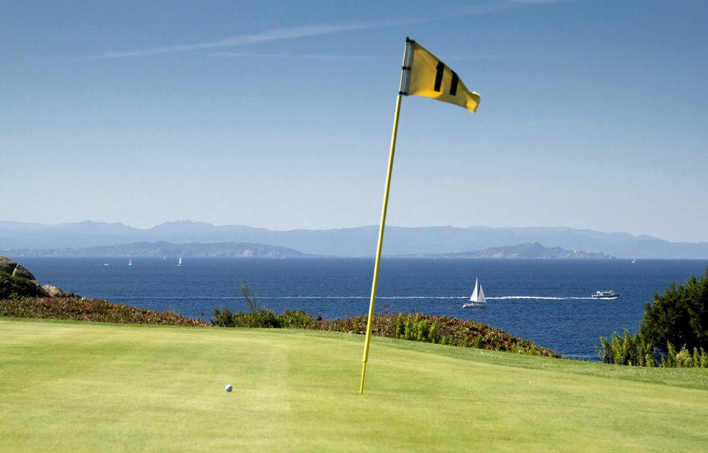 Jetzt zum Golf spielen nach Sardinien!